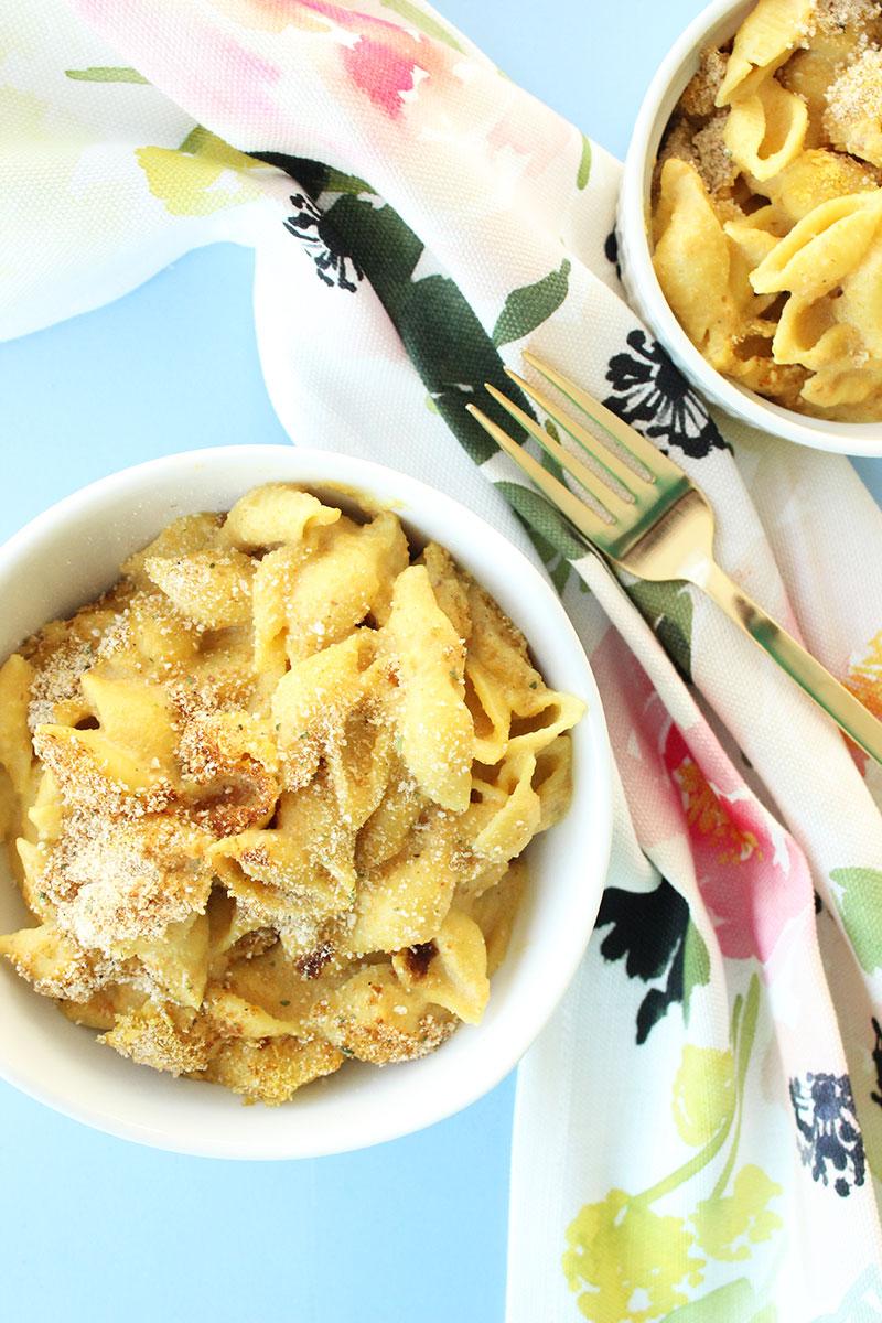 A delicious recipe for creamy vegan mac 'n cheese.