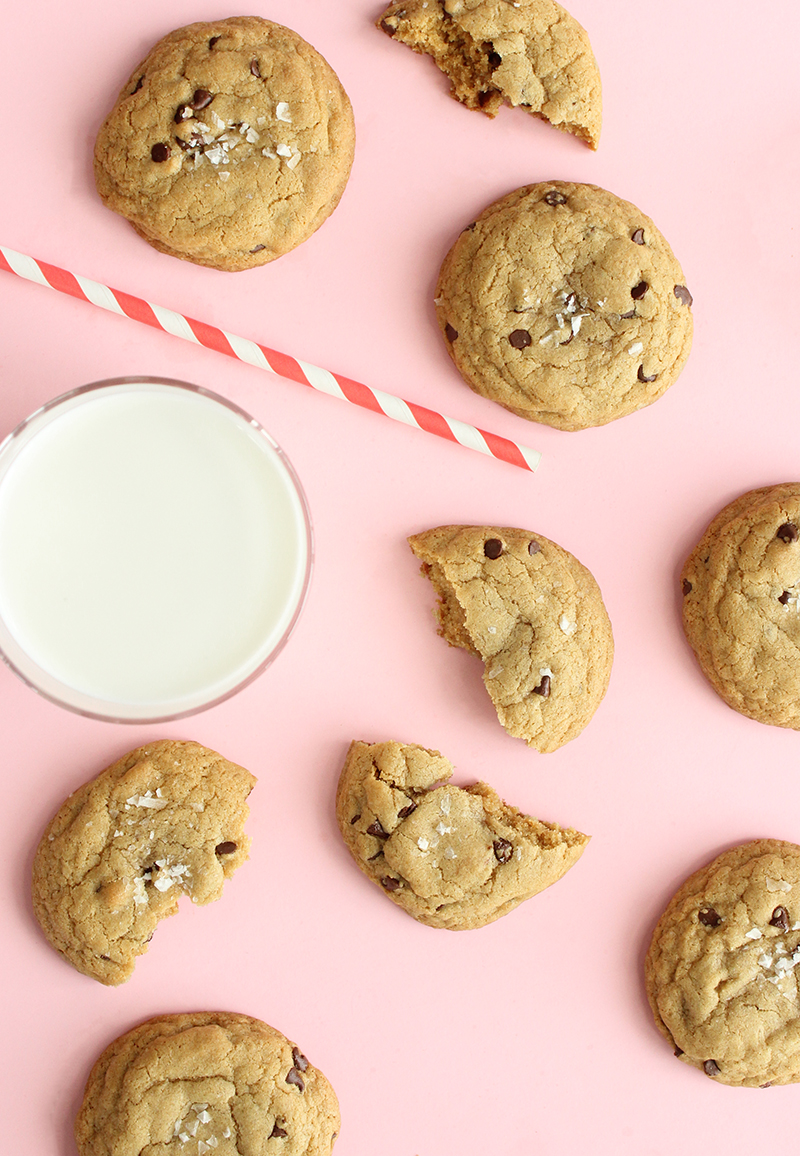 Chocolate chip cookies with milk.