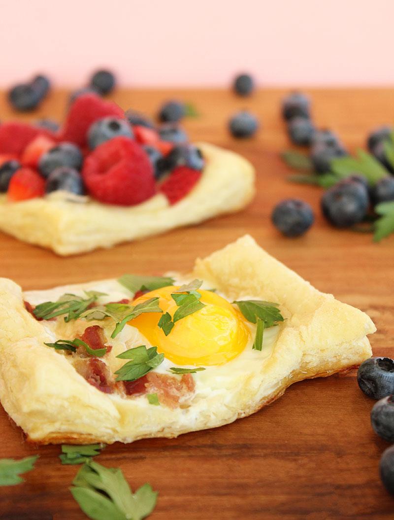 Egg and bacon breakfast tarts.