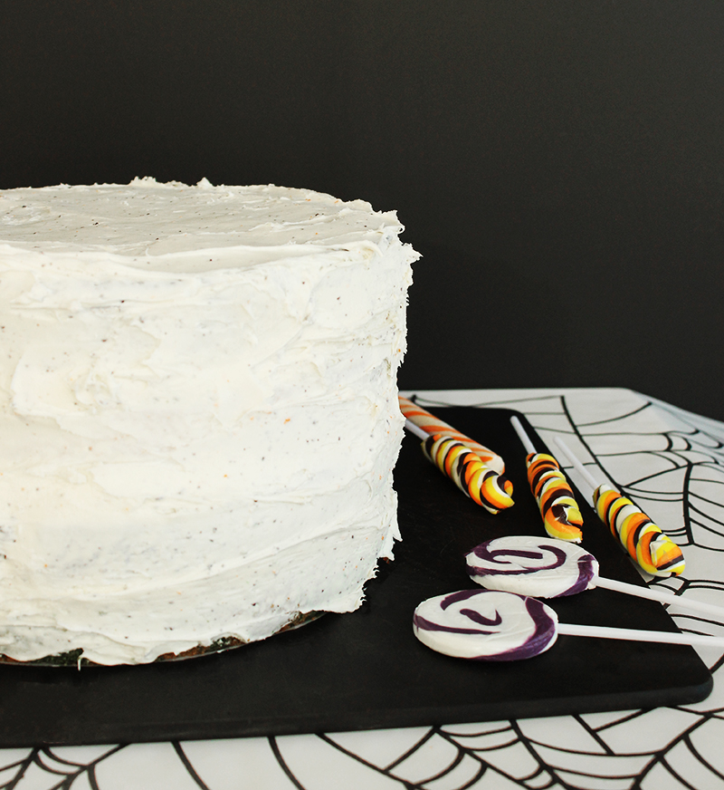 How to make a crumb coat on a cake.