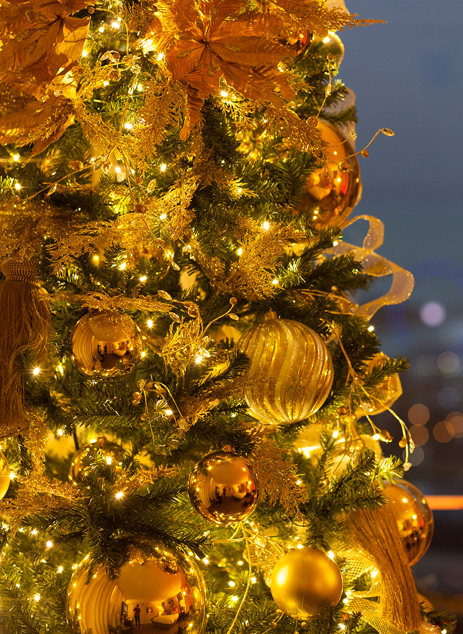 A gold Christmas tree.
