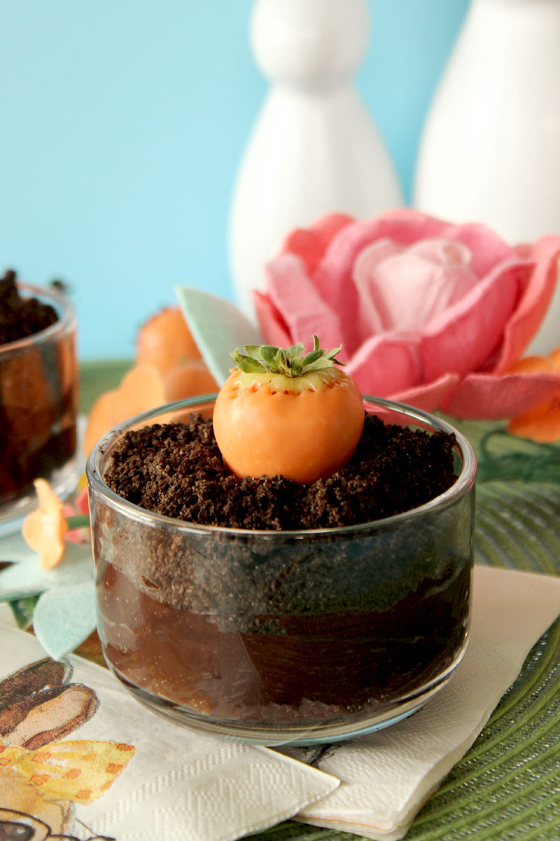 How to make Easter dirt cups with Oreos and chocolate pudding.