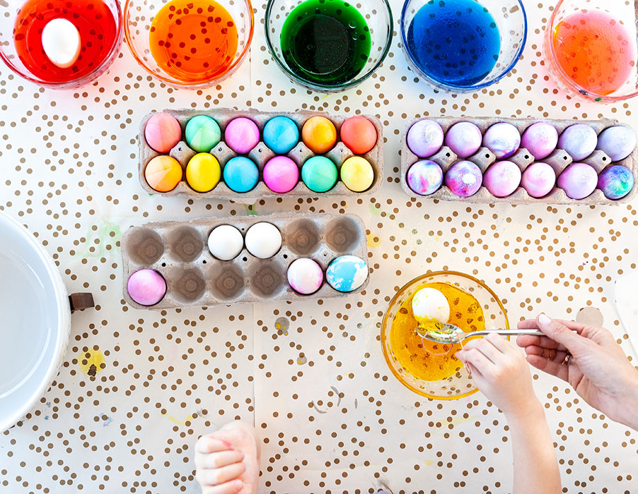 An easy marbled Easter egg DIY by Glitter and Bubbles.