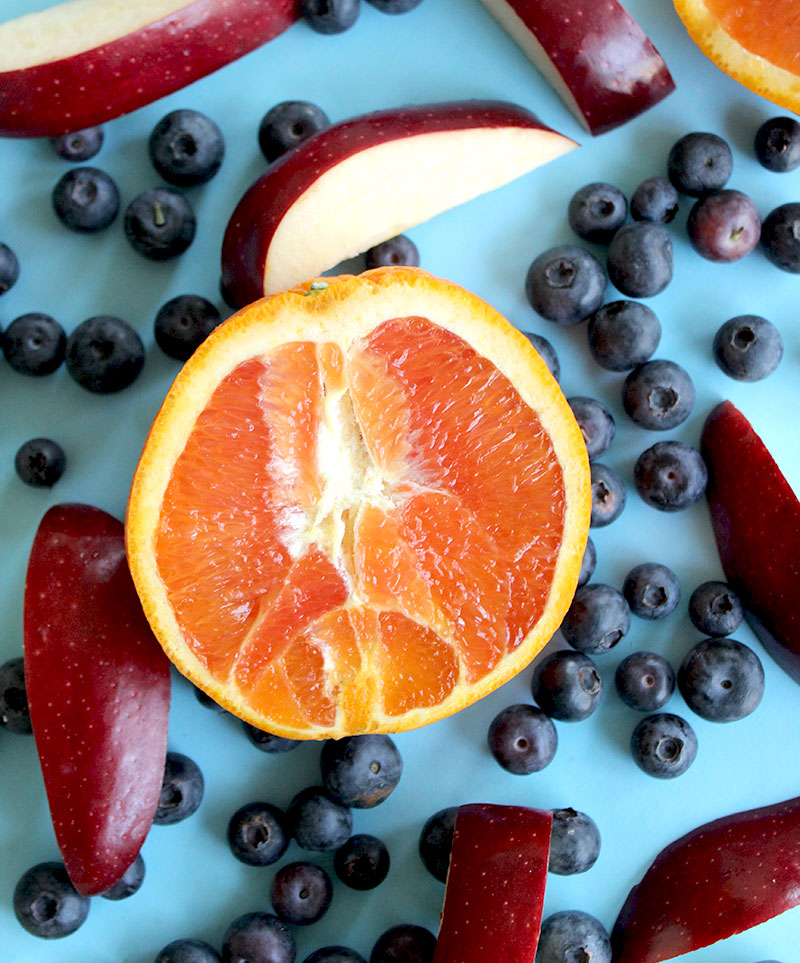 How to make a blueberry apple orange smoothie.