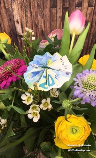 Ein Bunter Blumenstrauss Zum Muttertag Ideen Fur Tolle Feste