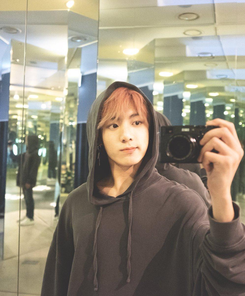 BTS' Jungkook Breaks Down at London Concert | Glitter Magazine