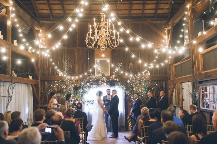 Couple S Wedding Ceremony And Reception Held At The Beach: This Rustic New Jersey Barn Wedding Will Take Your Breath