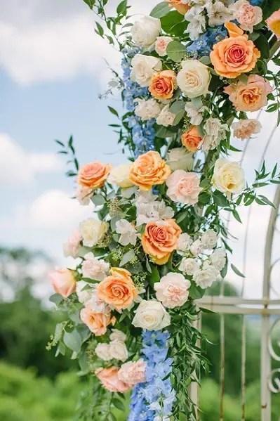 Outdoor Wedding at Bluemont Vineyards in Virginia