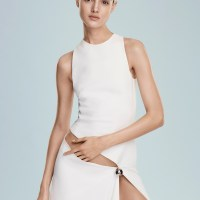 Blanca Padilla Goes Minimal in Vogue Mexico by Alvaro Beamud Cortes