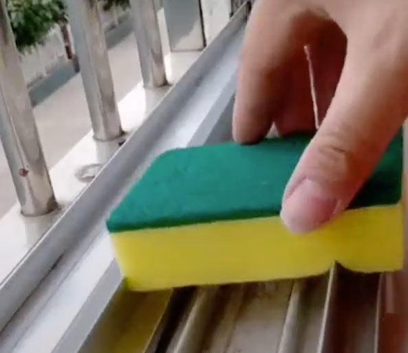 astuce nettoyage de fenêtre coulissante menuiserie