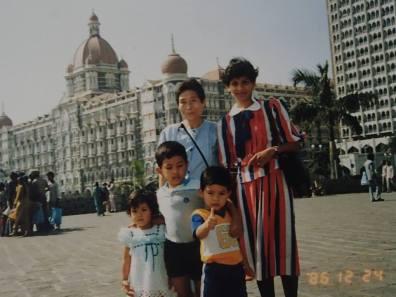 ChildhoodIndia_Taj