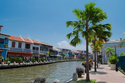 Things to Do in Melaka - Stroll Along the River