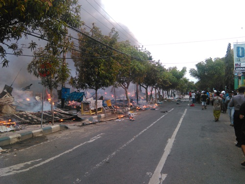 Pasar Sedangdang Terbakar