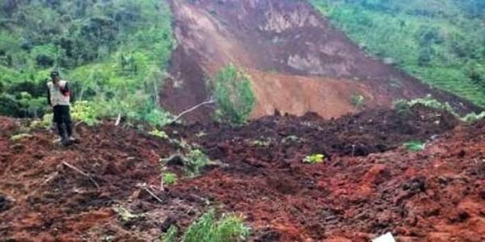 GN/Istimewa Kondisi longsor di Desa Banaran, Kecamatan Pulung, Jawa Timur.