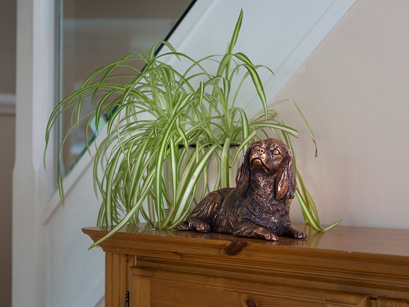 Our lovely figurine ashes keepsake urns are so discreet and look lovely in any setting. Sculptured ornamental ashes urns caskets for pets.
