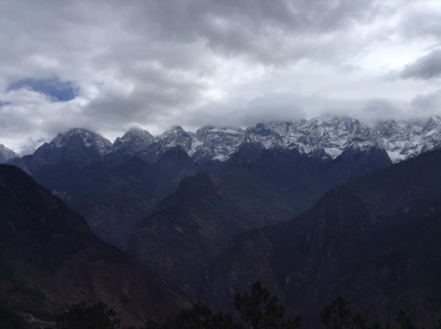 Mountain view at Tiger Leaping Gorge