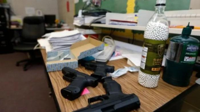 gunfedschool12.jpg
