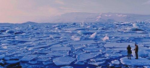 Ice sheets in Jökulsárlón, Iceland.