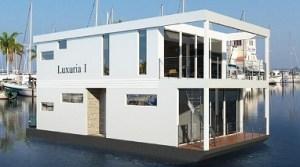 luxury boat rentals