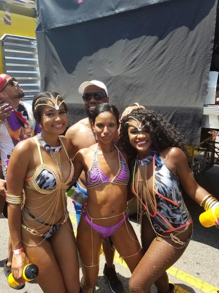 EpicMasBand Director Ren and Global Carnivalist Crew