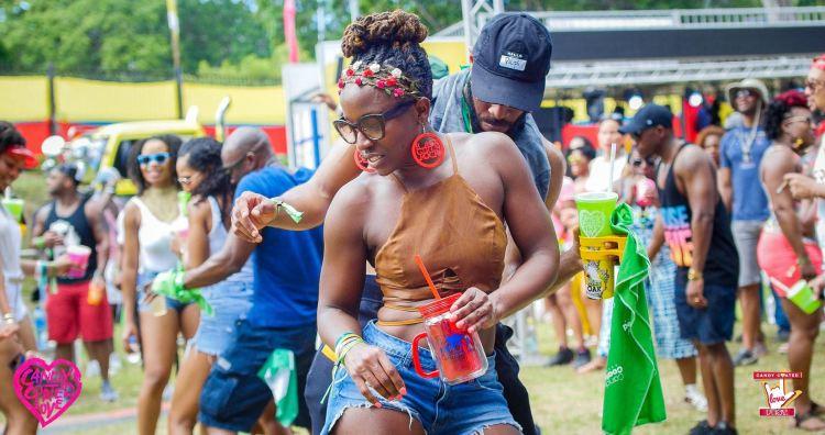 Carnival Chaser_Lola
