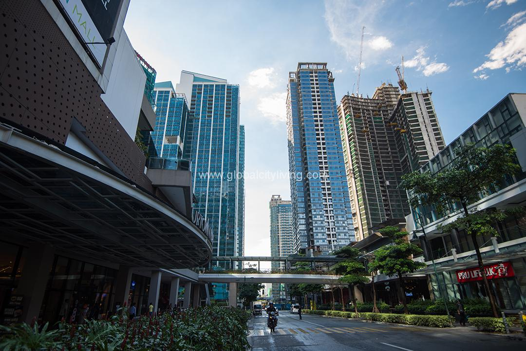 Uptown Ritz Preselling 1BR 2BR 3BR Condos In Fort BGC