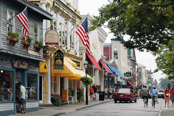 Downtown Newport, Rhode Island street