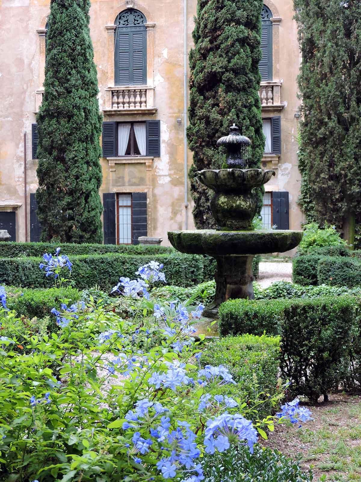 Giardino Giusti fountain in Verona, Italy