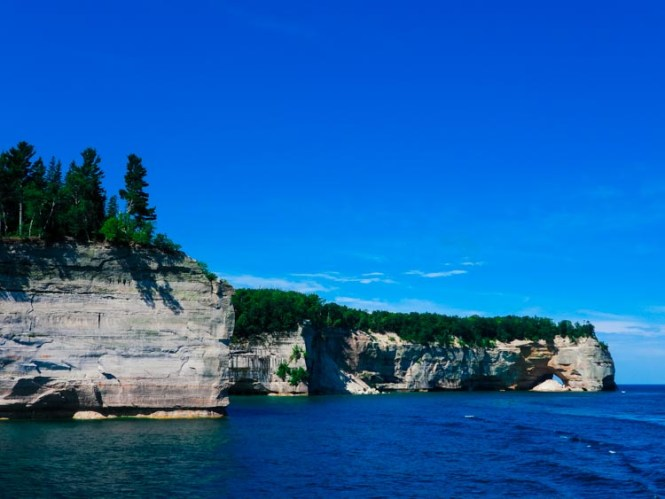 Undulating shoreline with rocks