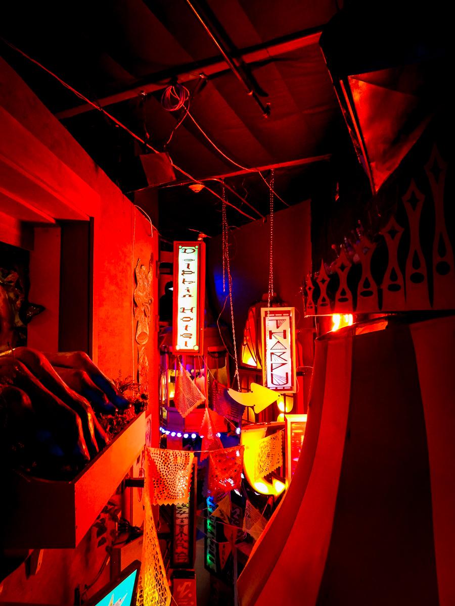 HOER Chinatown alleyway overlook