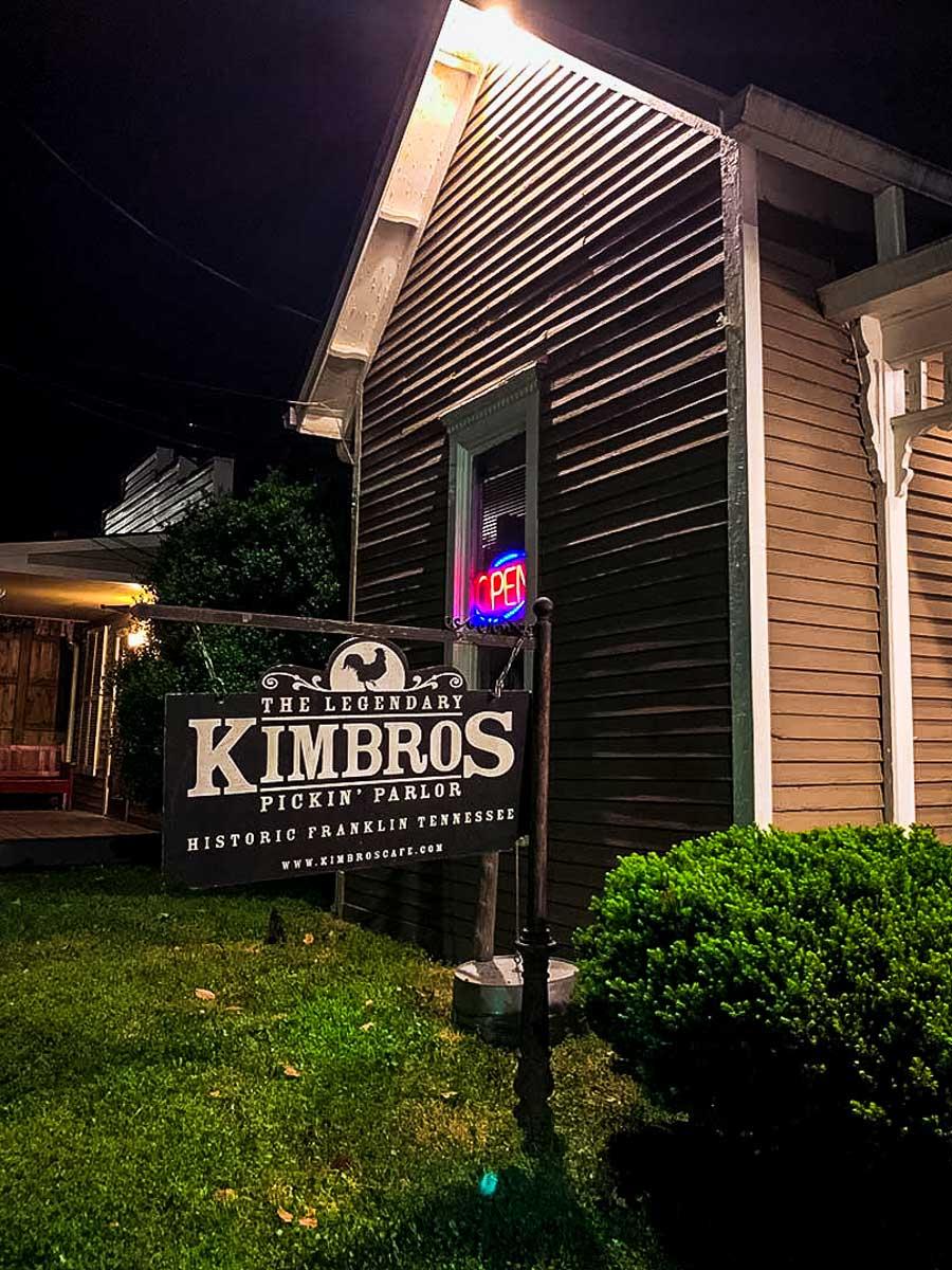 Kimbros sign at night