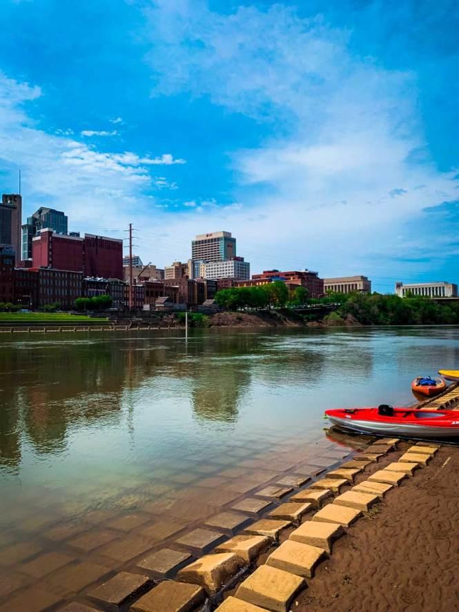 Kayaks on the Cumberland shores of downtown Nashville