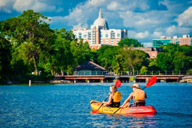 kayaking, just one of many awesome things to do in madison wisconsin