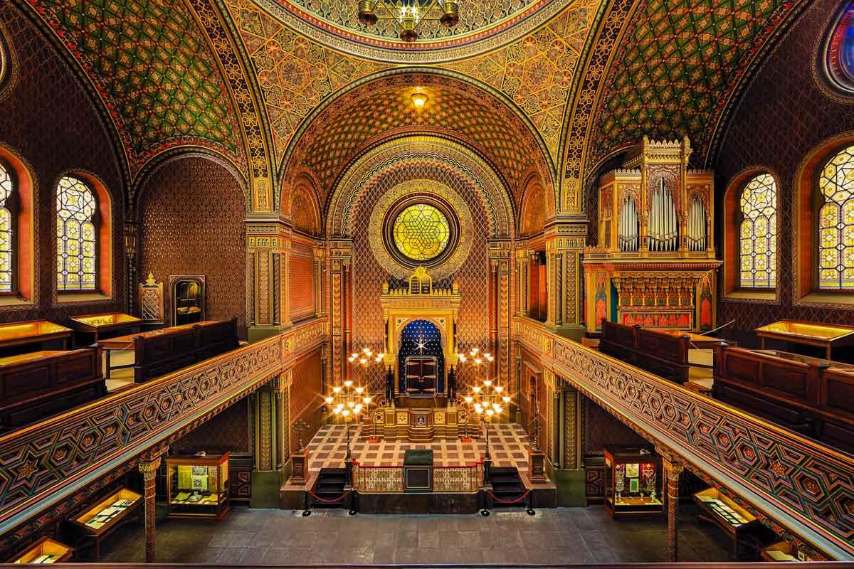 Golden, Moorish interior of the Spanish Synagogue