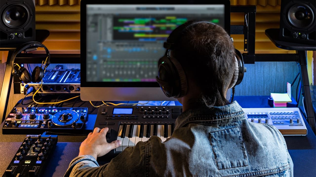 How To Become an Electronic Music Producer