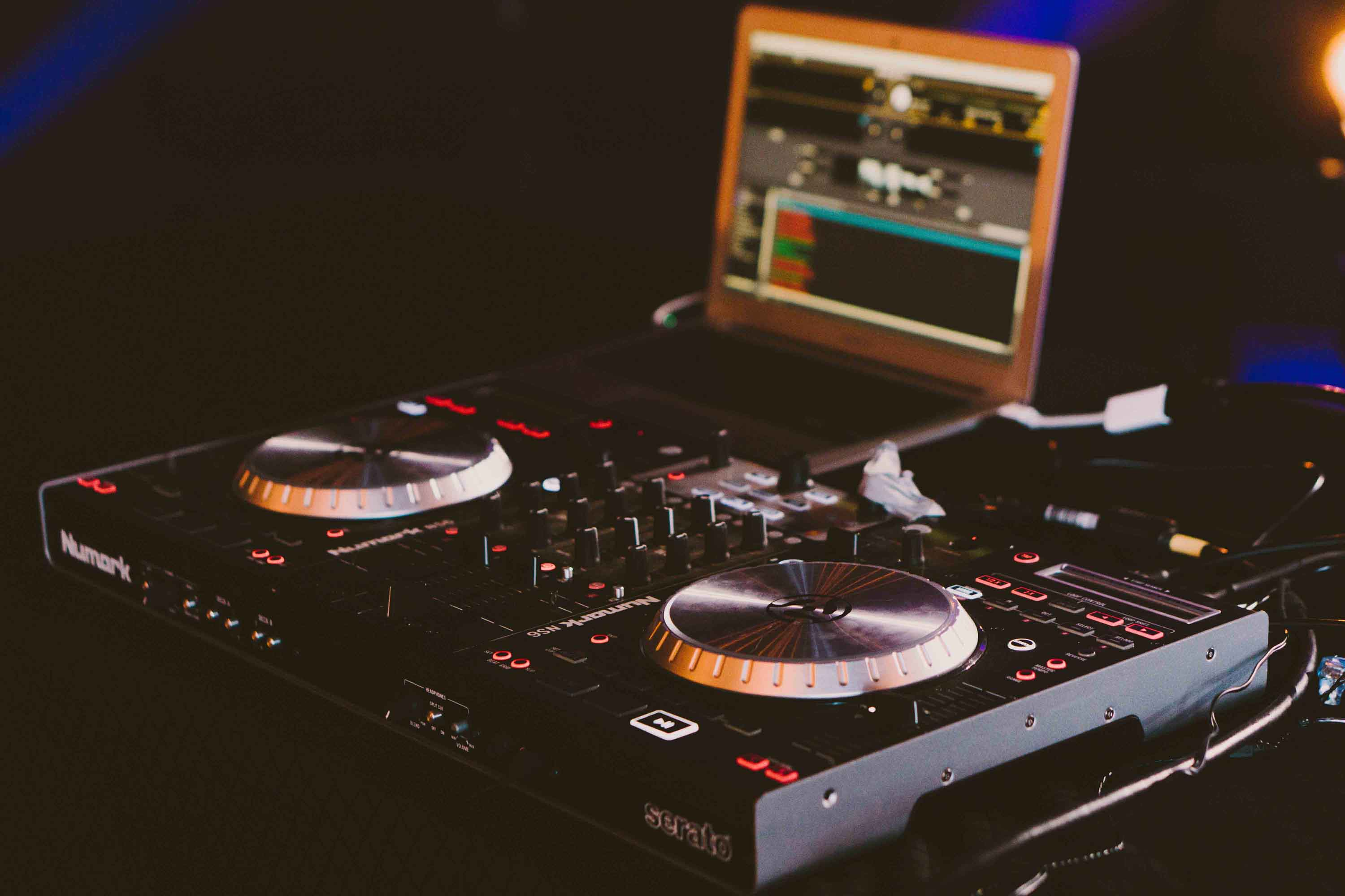 The Best DJ Controller under $400 – 2018