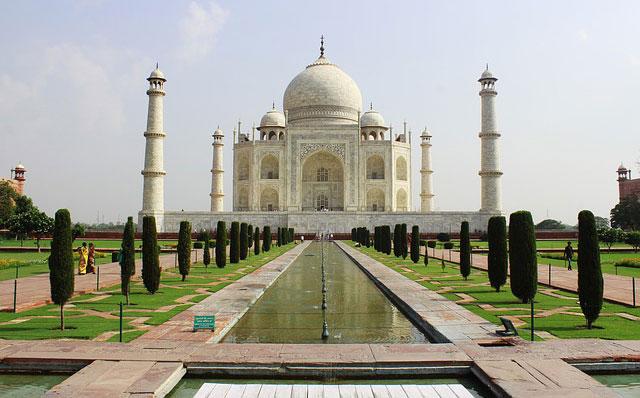 Taj Mahal in Agra and Textiles in Jaipur