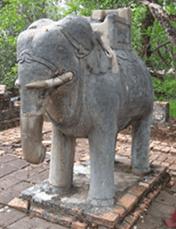 elephantnearpagodainhueC