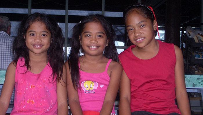 girls in samoa