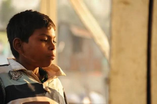 彼らの多くは、生まれ育った村はとても貧しく、やむを得ず働きにダッカに出てきてそのまま路上で生活するようになったのだそう。