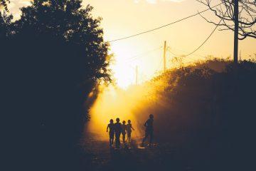 صورة ظلية للأط�ال