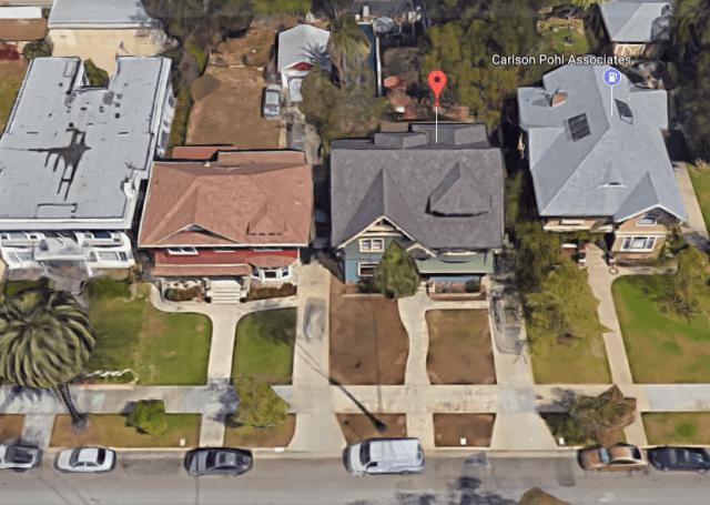 bad-neighbors-house.PNG