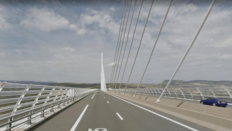 mr-beans-holiday-bridge-sv.PNG
