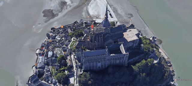 fairy-tale-castle-france-2.png