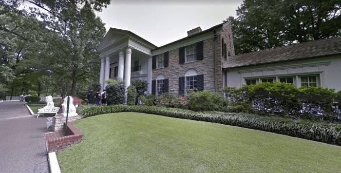 elvis-presleys-graceland-mansion-2.PNG