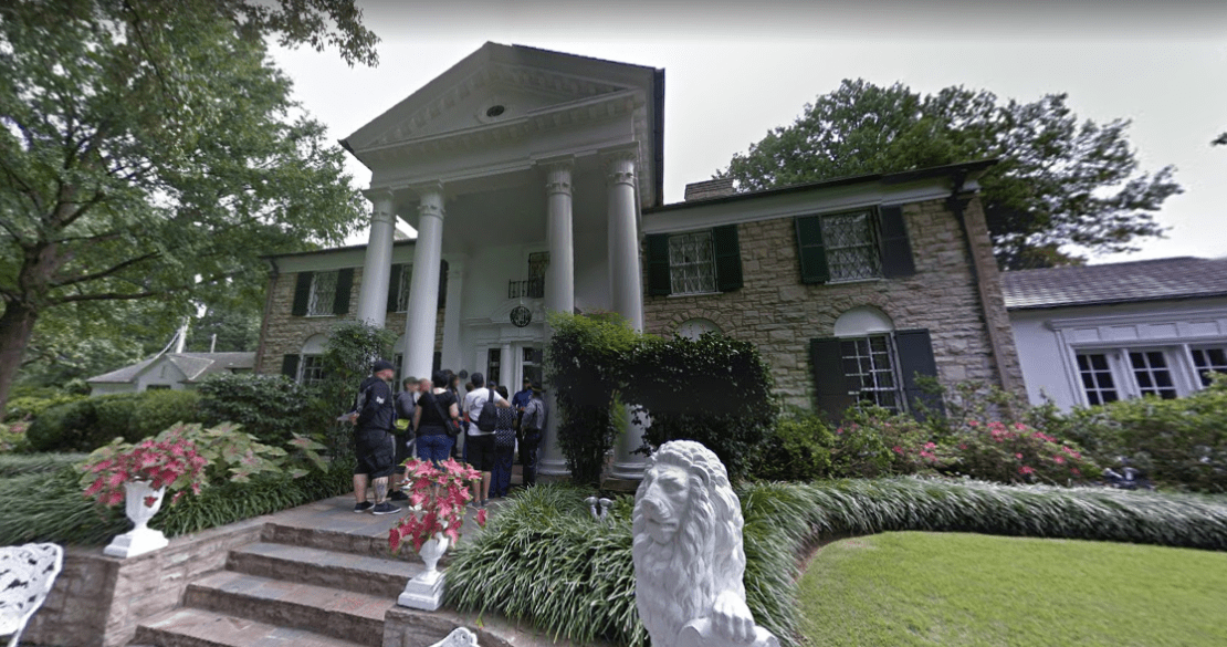 elvis-presleys-graceland-mansion-3.PNG