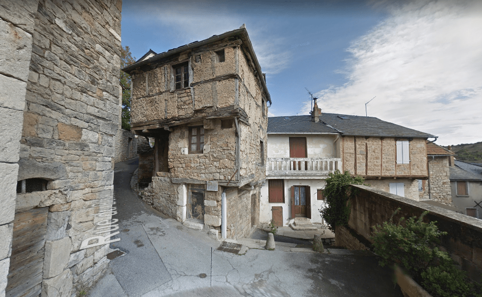 The Oldest House In France - Location