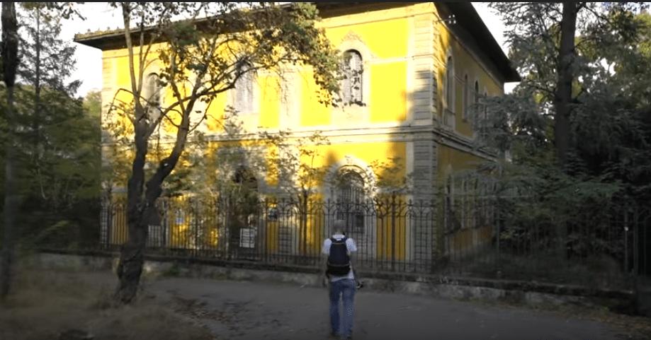 exploring-with-josh-tuscany-asylum