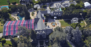 the-playboy-mansion-location2
