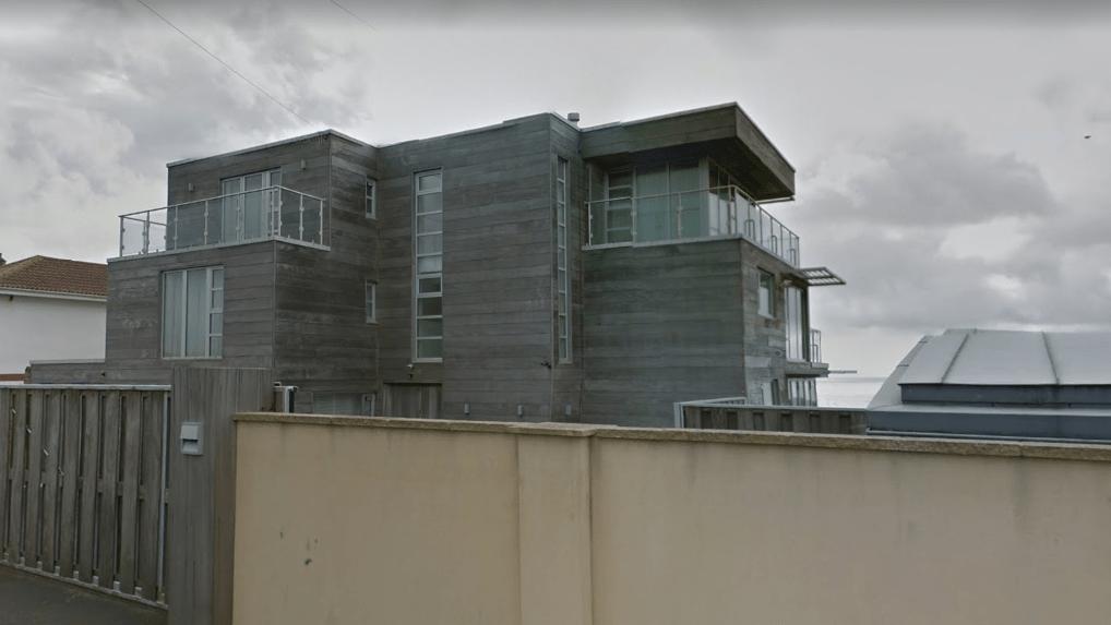 graham-nortons-beach-house-sv2